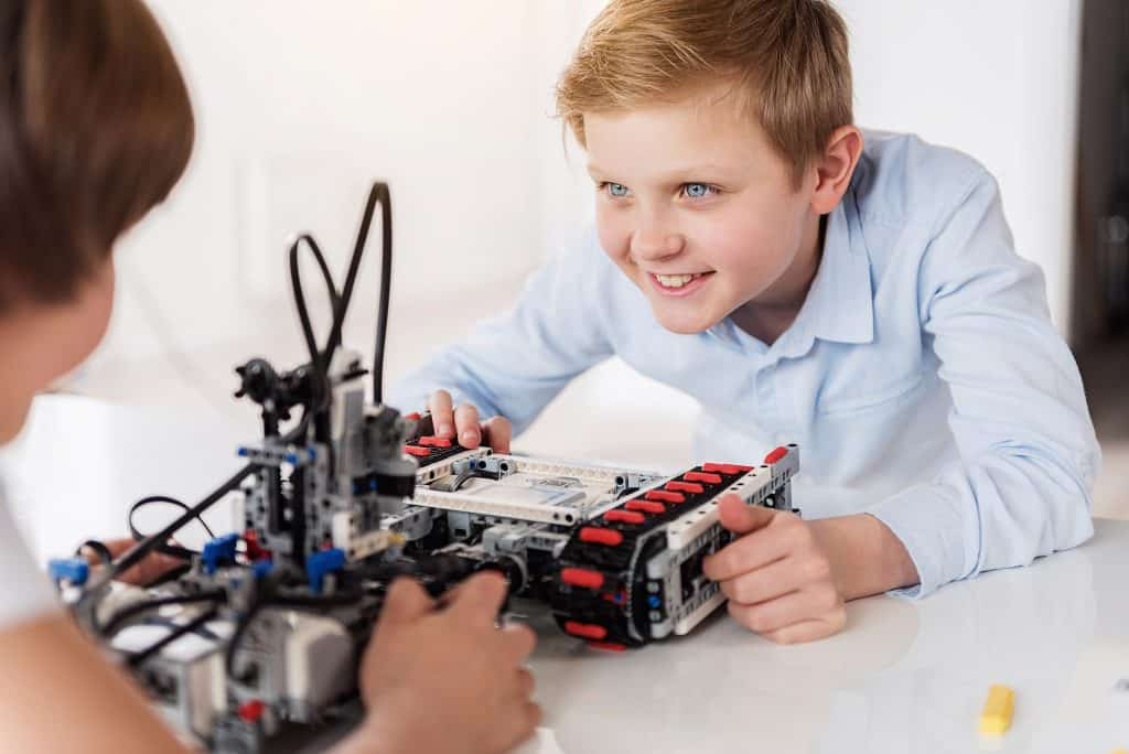 Online LEGO Robot Camp 7/6-7/10, Ages 10-12, 1pm EDT