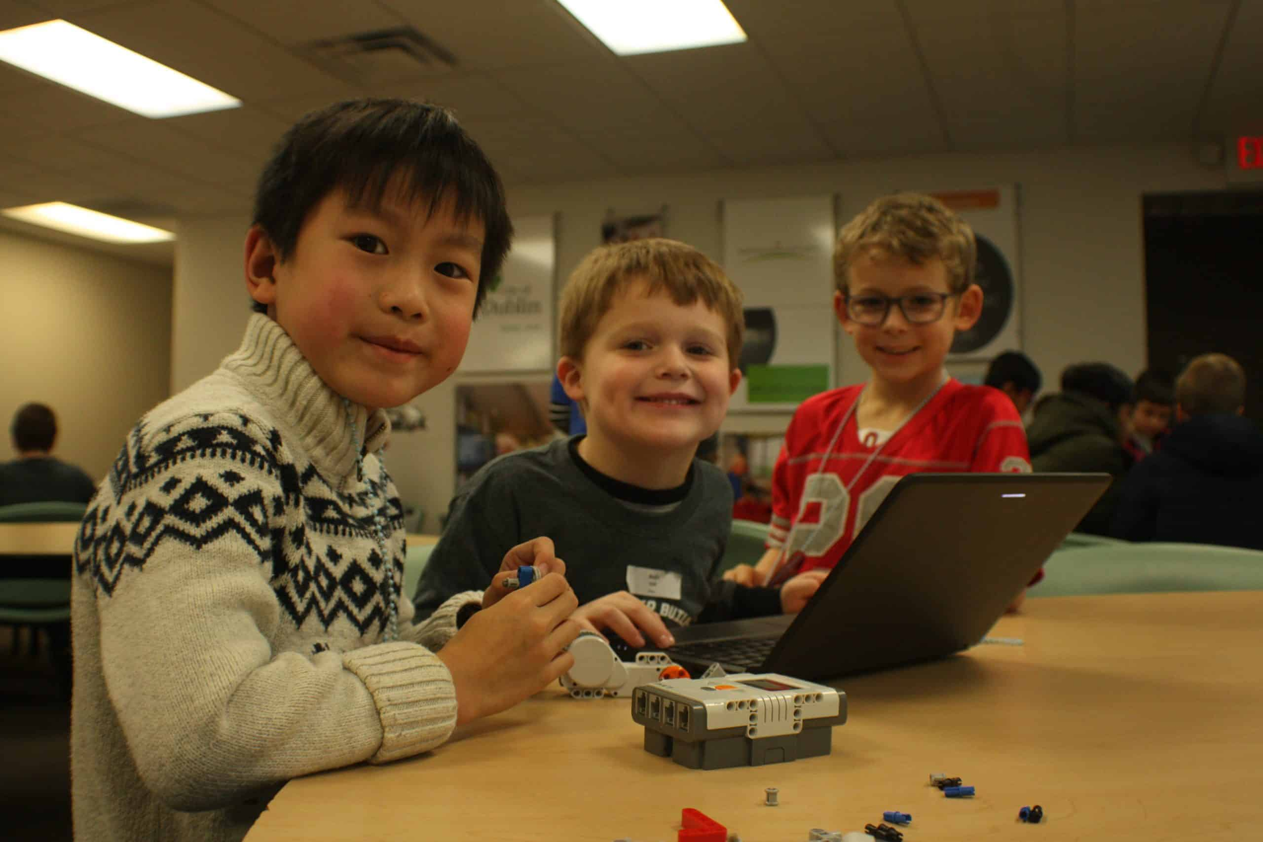 Online LEGO Robot Camp 6/8-6/12, Ages 7-9, 1pm EDT
