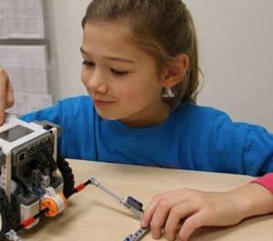 Jr LEGO Robot STEM Camp June 14 to 18, 2021 (10 am to 12 am EST, 9 am to 11am CST, 3 pm GMT to 5 pm GMT) for LEGO MINDSTORMS EV3 or Robot Inventor